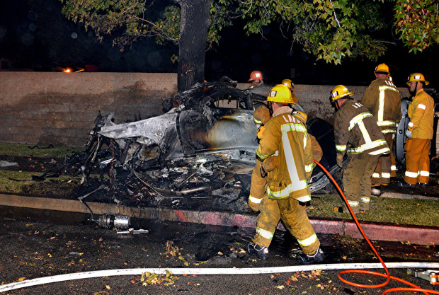4 Killed in Possible Street Racing Accident in Northridge